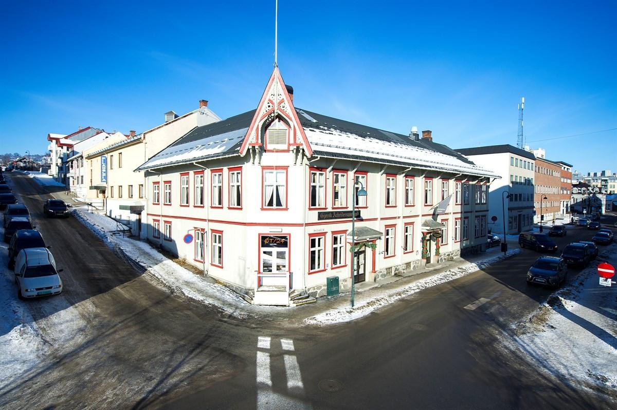 Gjestvang & Partners Gjøvik - Næringsbygg - 6 950 000,-