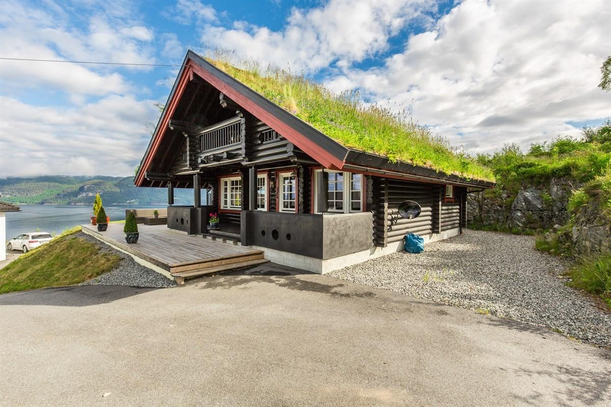 Aursnes & Partners Sykkylven / Stranda - Enebolig - 2 050 000,-