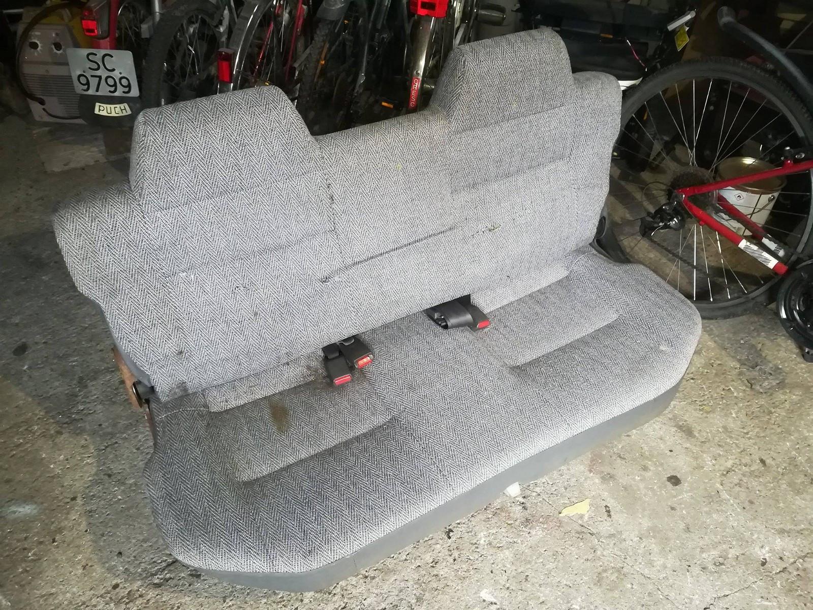 Daihatsu Rocky baksete - Aksdal  - Daihatsu Rocky seter selges. Stått i en 1995 modell.  Litt småflekker, men som sikkert går vekk med en vask. Rifter i stoff på frem og baksiden.  Kan sendes etter avtale. - Aksdal