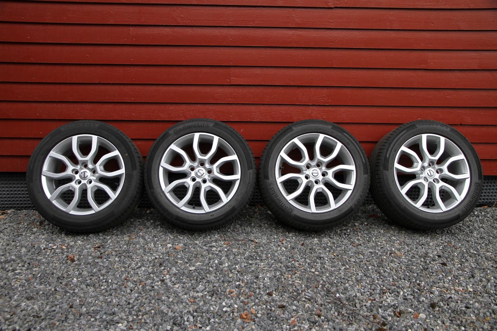 """Orig Volvo """"Keid"""" felger med Continental SportContact 5 225/50-17 - Kongsberg  - Stilige originale Volvo """"Keid"""" komplette sommerhjul til V40 / V60 / S60 / V70 / S80 selges. Åpent design som er lett å holde rent. Dimensjon 7x17, 5x108mm boltesirkel, 50mm innpress.  Det sitter på Continental SportContact 5 - Kongsberg"""