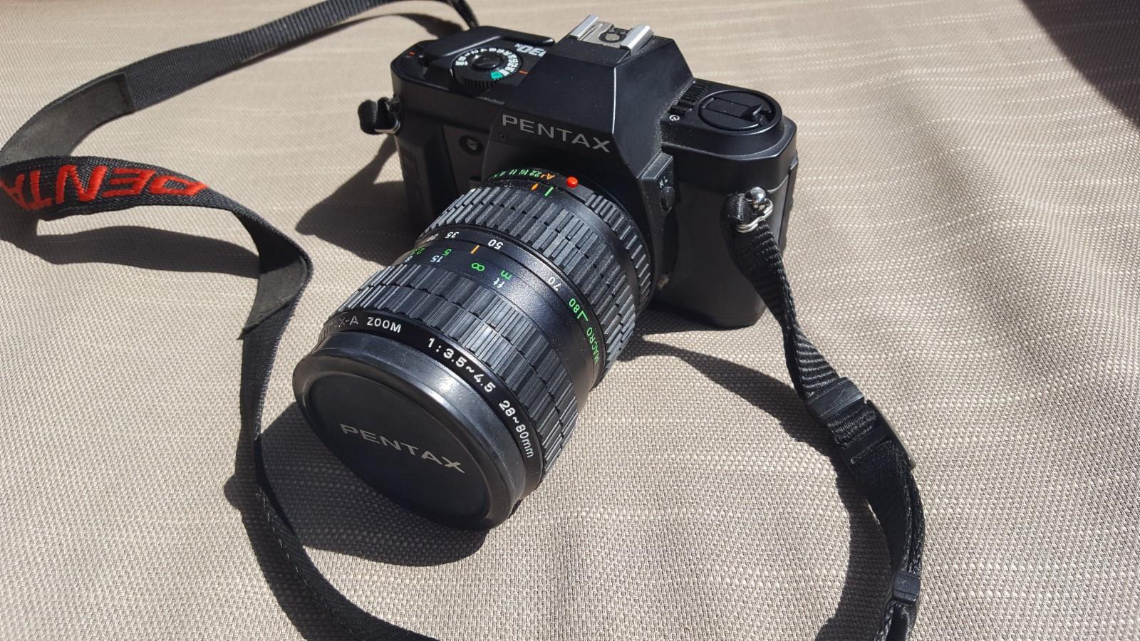 Analog Pentax P30n med zoom linse og blitz selges rimelig - Oslo  - Pent brukt retrokamera med zoom linse 28-80mm. Pentax AF260SA blitz (1-6,5m) og Pentax kameraveske samt bruksanvisning (på dansk) medfølger. Avhentes Øraker i Oslo. - Oslo