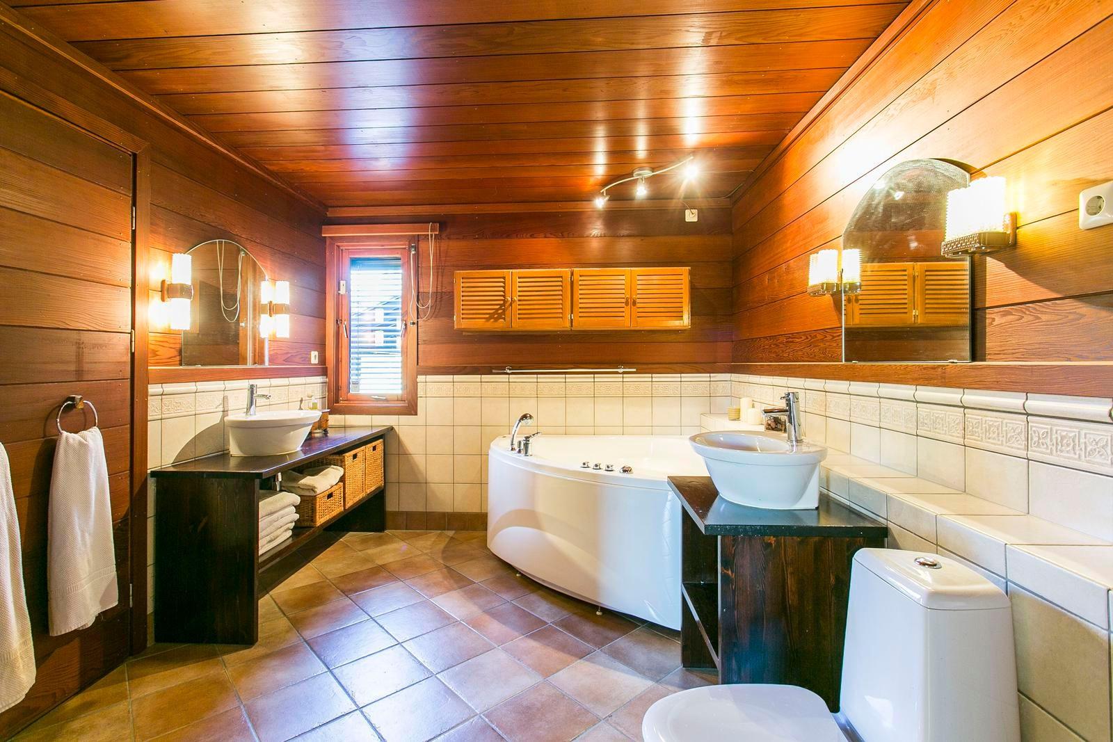 hovedbadet-har-badstue-og-boblekar