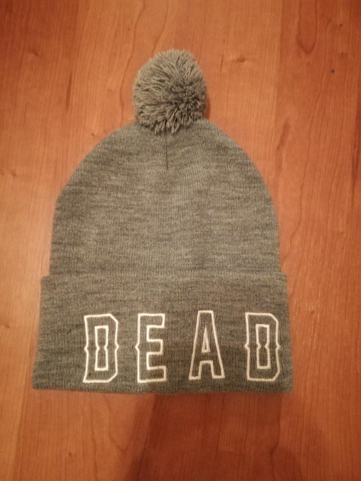 Drop Dead Stay Dead Beanie - Kirkenes  - Kun prøvd. Selges fordi den er for liten. - Kirkenes