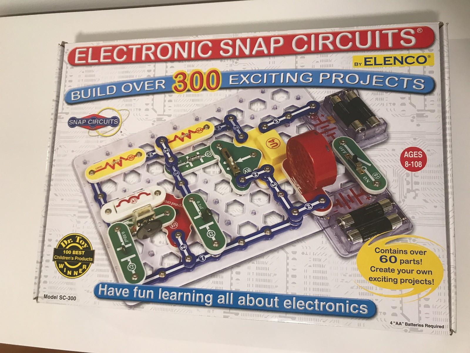 Electronic Snap Circuits 300 - Ulset  - Byggesett med over 300 ulike sett med instruksjoner, gøy å bygge i tillegg til at man lærer om elektronikk.  Lett brukt føles som ny. - Ulset