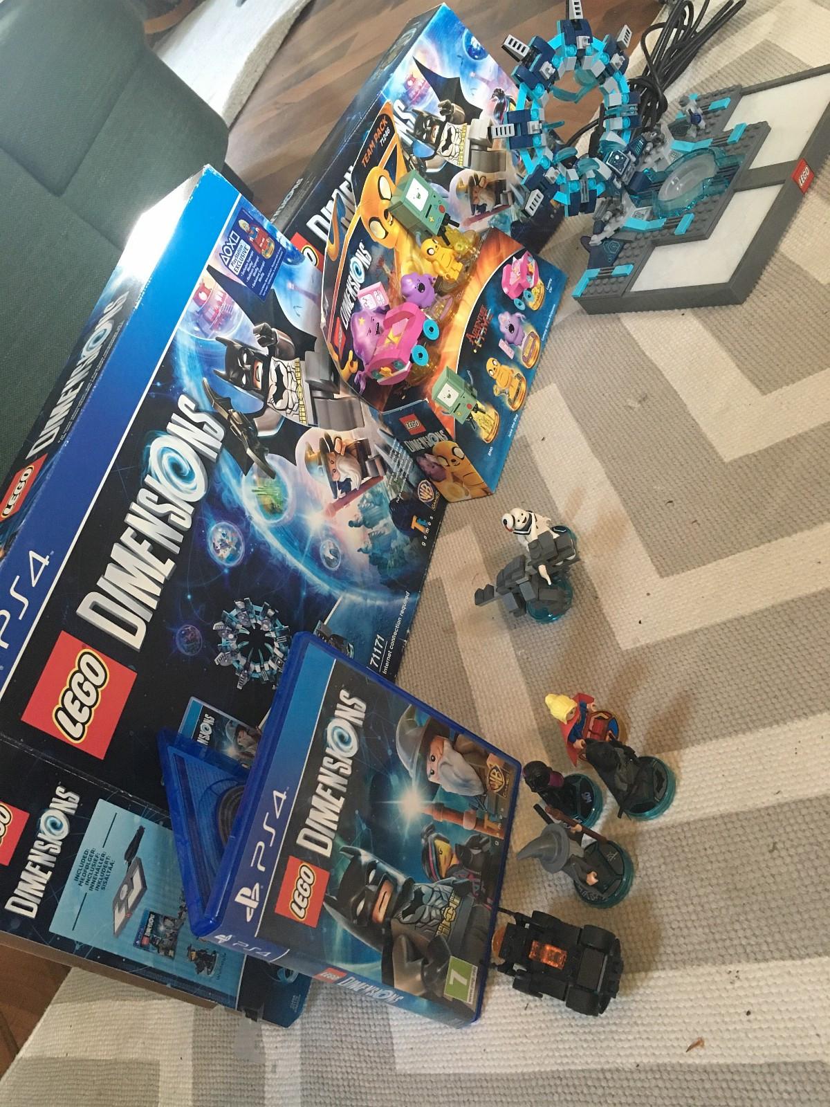 Lego dimensions pakke - Klæbu  - Lego dimensions starter pack 71171 - 300,- Lego dimensions Team pack 71246 - 125,- Spilltilbehør LEGO Dimensions 71233 Stay Puft Fun Pack 75,-  Pakkepris - 450,- - Klæbu