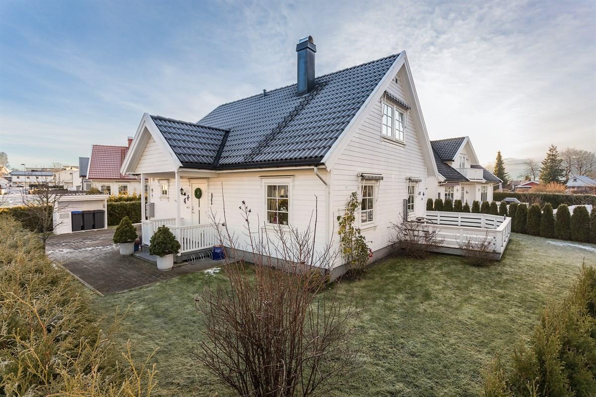 Leinæs & Partners Larvik - Enebolig - 3 390 000,-