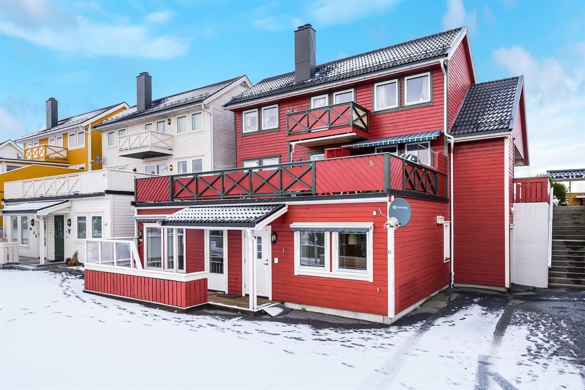 Meglerhuset & Partners Arendal - Tomannsbolig - 1 590 000,-
