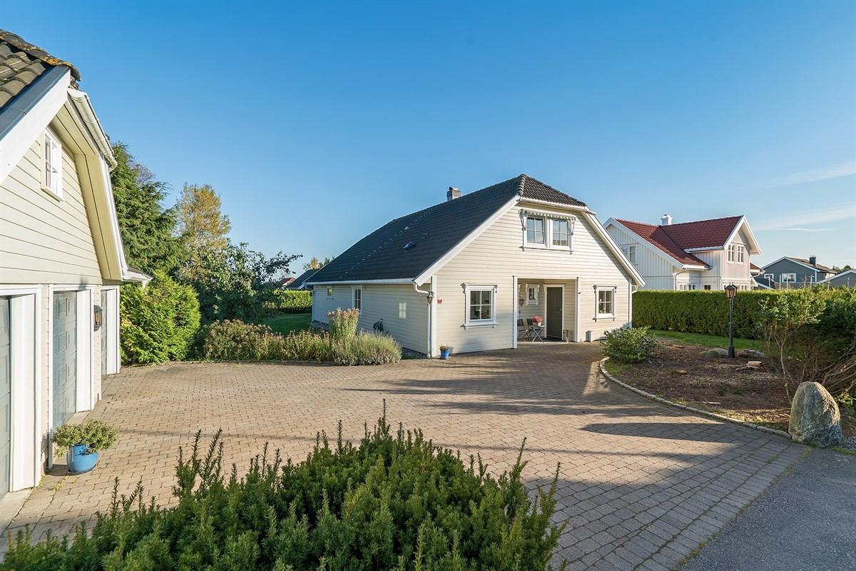 Enebolig - tolvsrød - 5 490 000,- - Bakke Sørvik & Partners