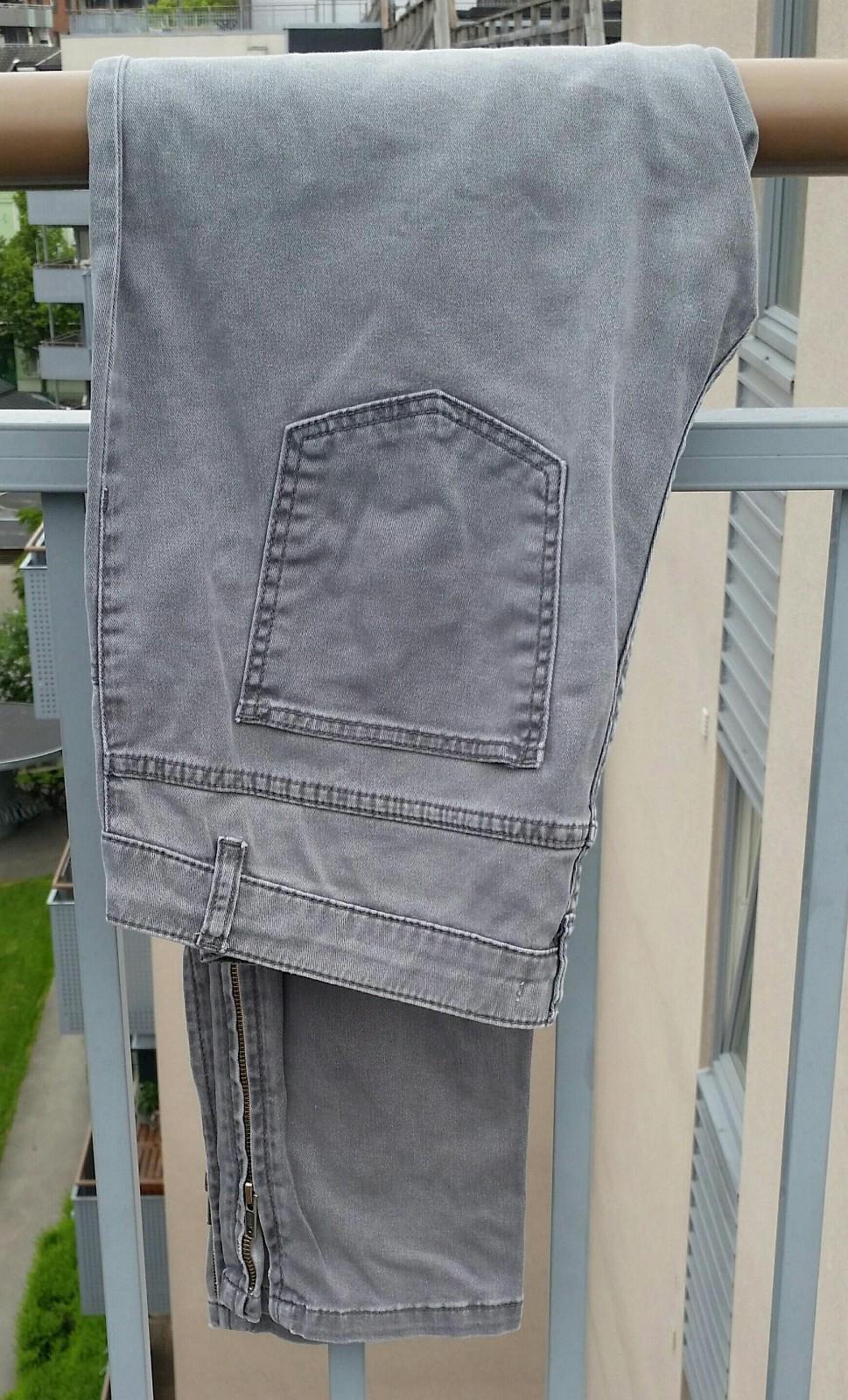 Ny bukse fra CARLA F.