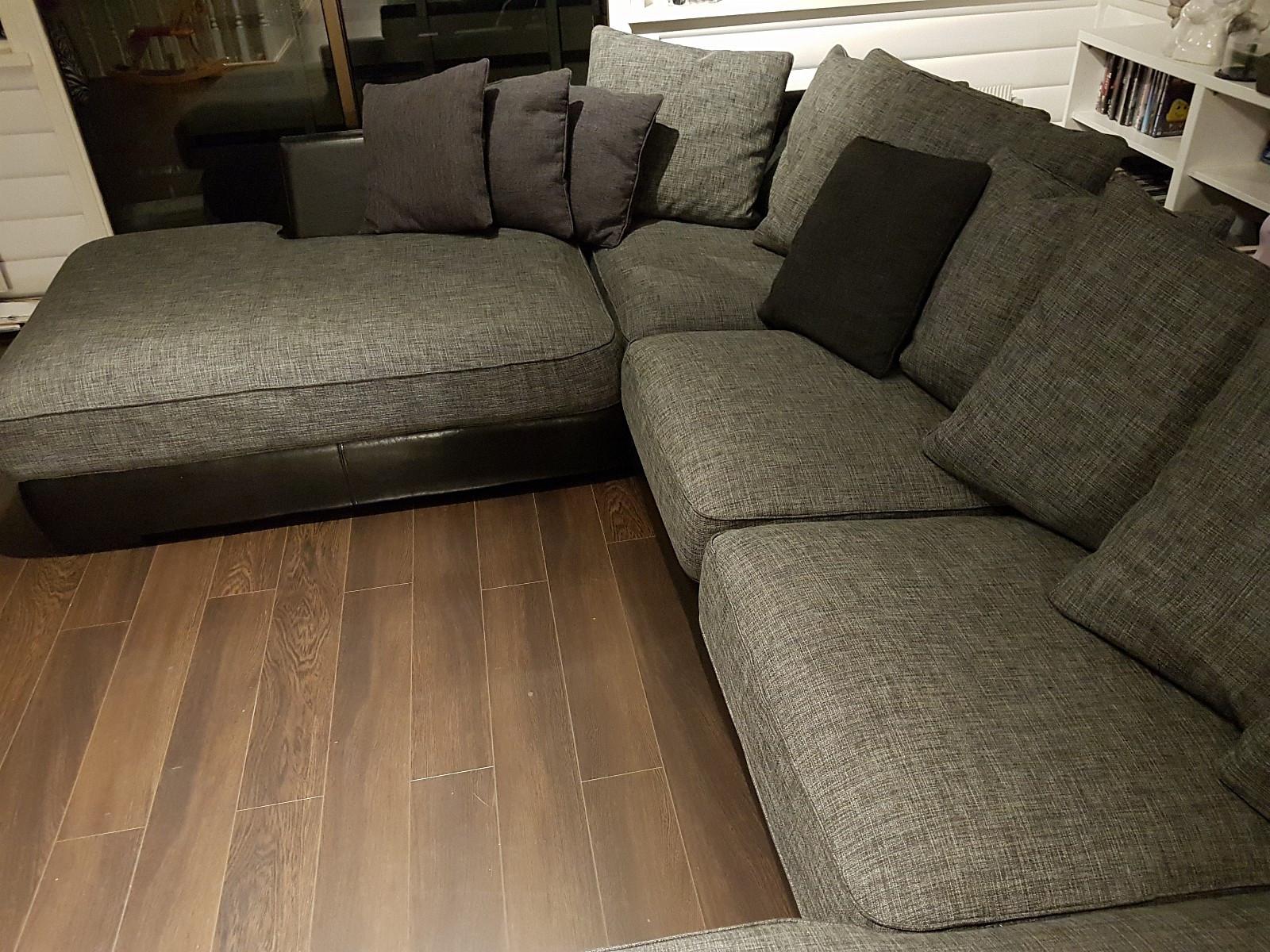 Boston sofa - Hommersåk  - Pent brukt Boston sofa til salgs. Hel og fin, uten tegn til skader. - Hommersåk