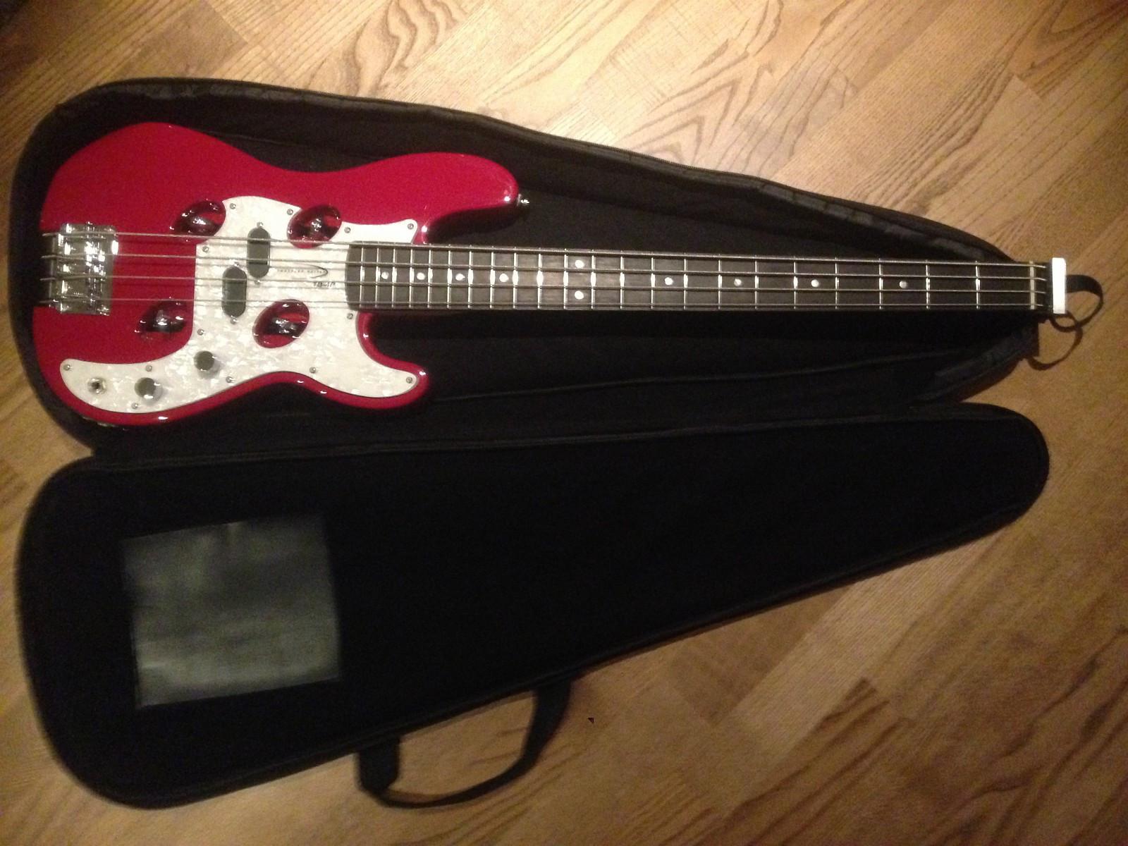 Den perfekte feriebass - Sogndal  - Selger en strøken Travler TR-4P bass Fantastisk bruker anvendelig, koble til spotify og spill til dine favoritter. Ny pris er ca. 4500kr min går for 2500kr  pluss frakt - Sogndal