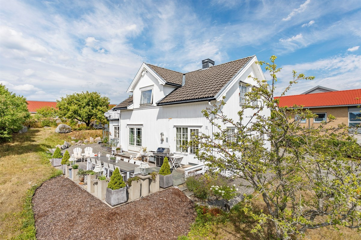 Enebolig - Nanset - larvik - 4 180 000,- - Leinæs & Partners