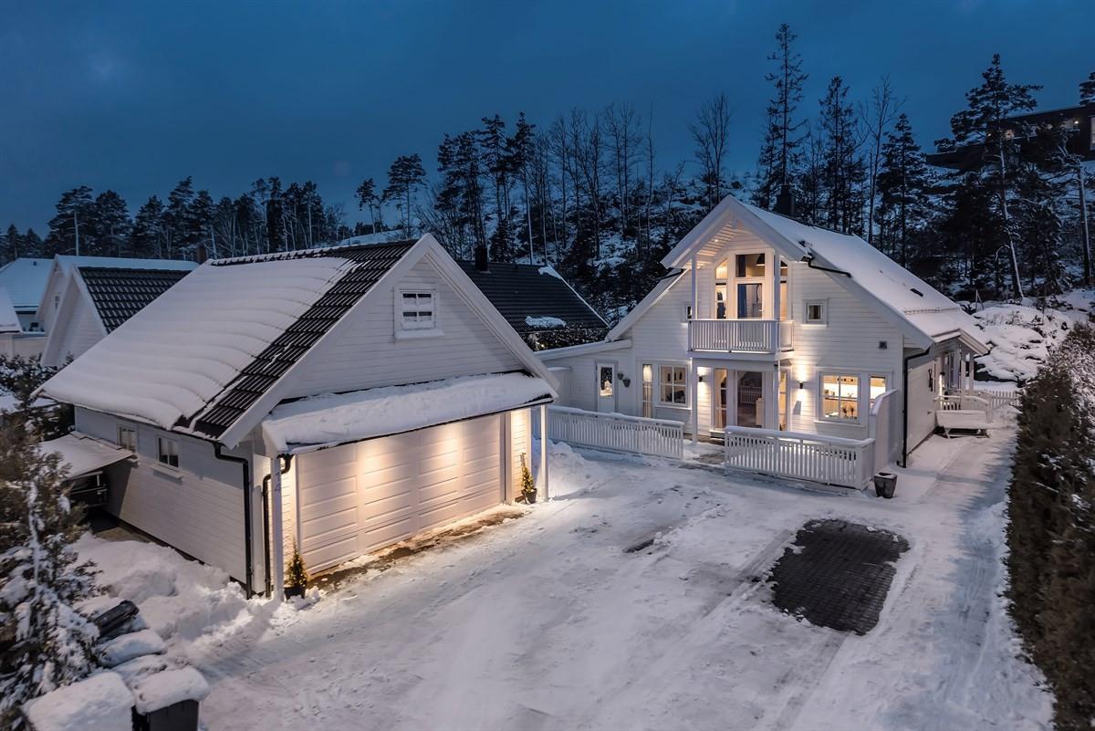Meglerhuset & Partners Arendal - Enebolig - 3 190 000,-