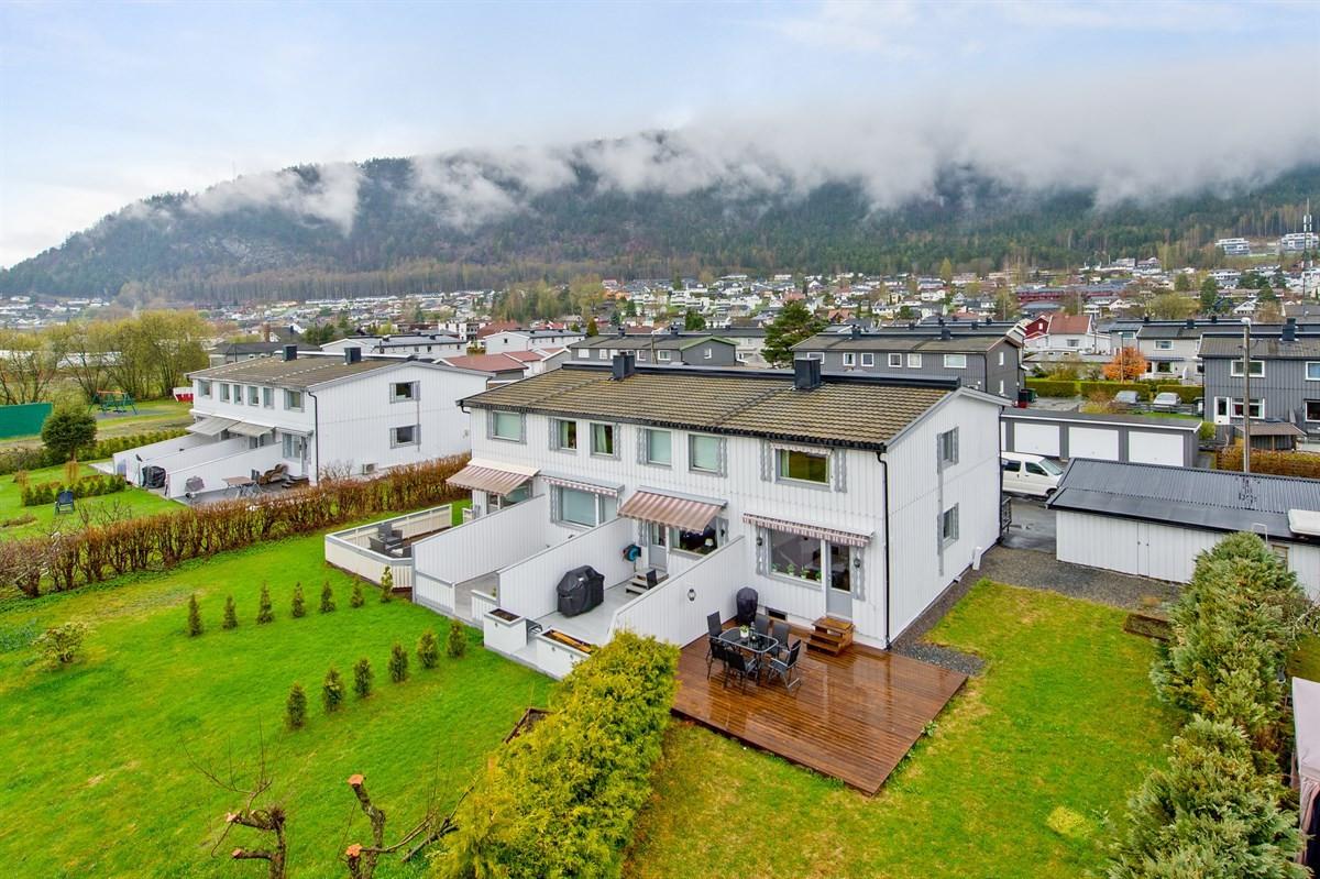 Rekkehus - solbergelva - 2 700 000,- - Meglerhuset & Partners