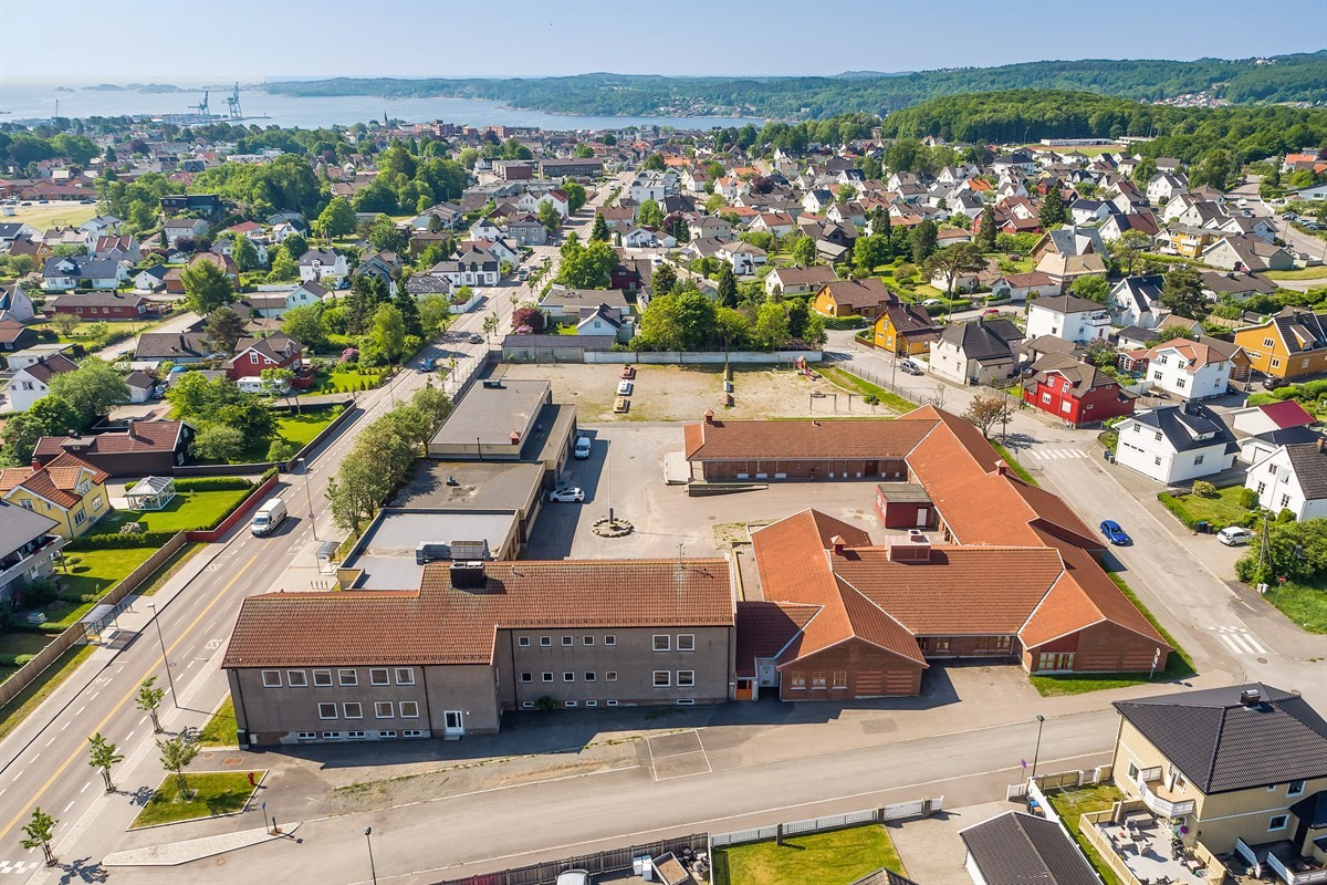 Næringsbygg - larvik - 16 800 000,- - Leinæs & Partners