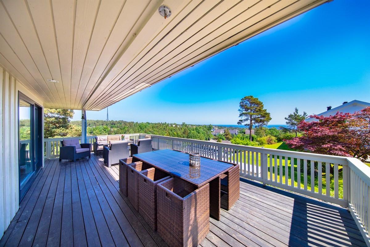 overbygd-terrasse