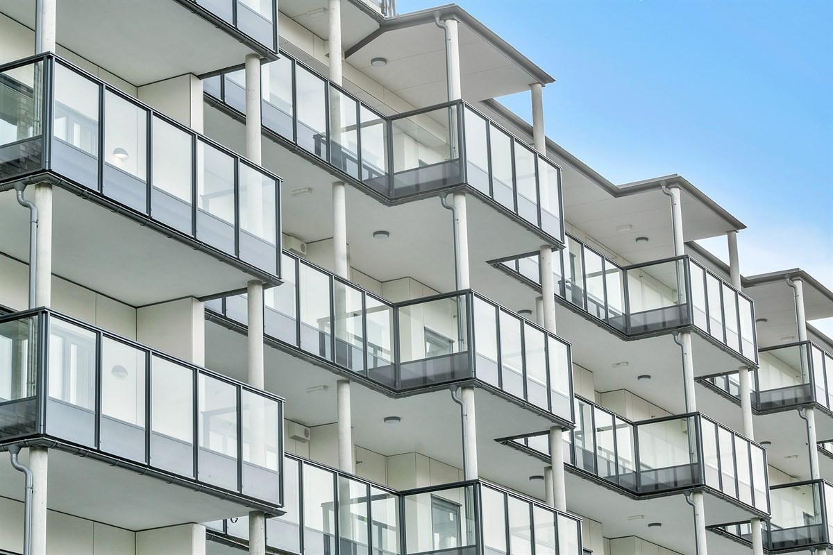 samtlige-leiligheter-har-en-eller-to-romslige-balkonger