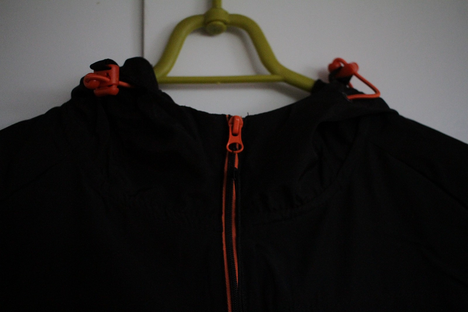 sort svart jakke XS 34 vind sport jogging running løping