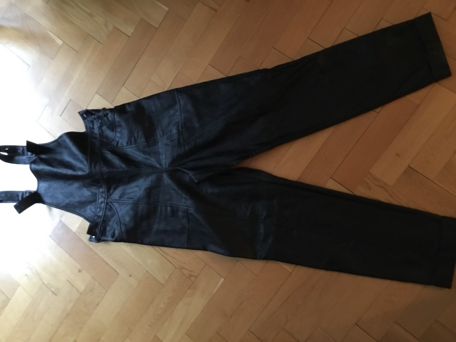 36d4e91c Kul fake skinn snekkerbukse fra HM   FINN.no