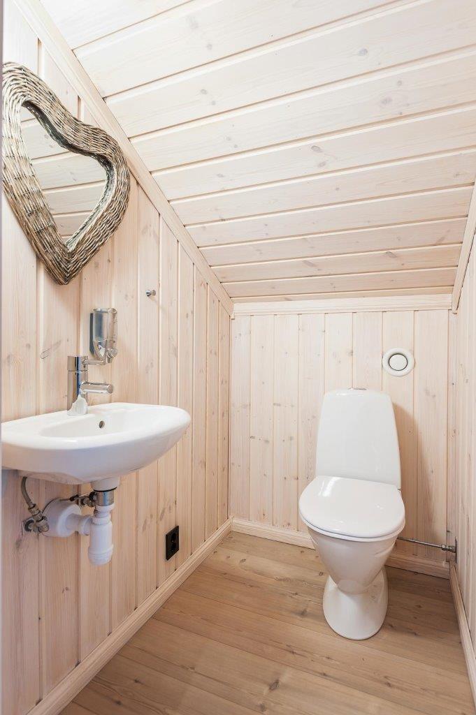 Wc i andre etasje, kan også leveres med bad