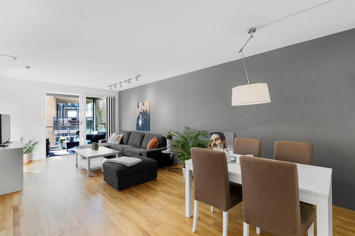 Ypperlig Visteleet 4 - Flott leilighet med innglasset balkong, smart CQ-84