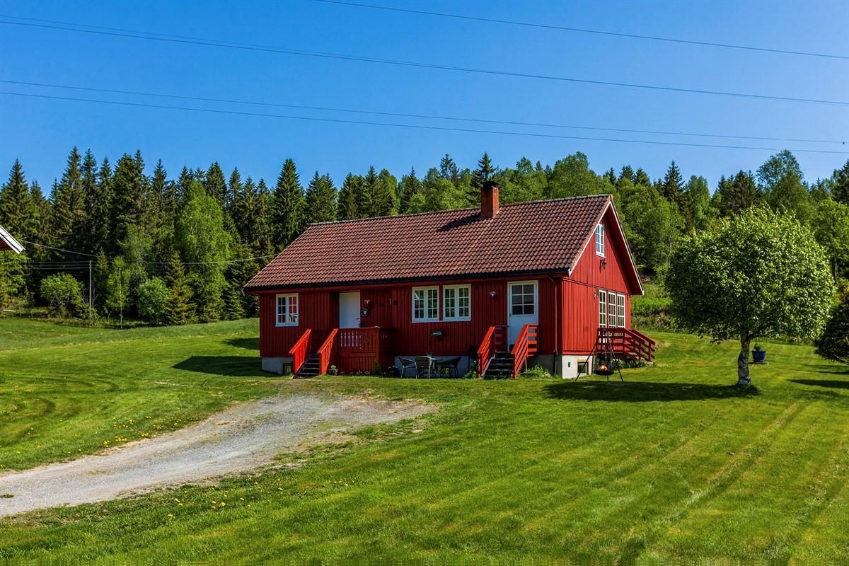 Velkommen til Bergendalsveien 61 - Enebolig på fantastisk hyggelig gårdstun - Presentert av Stian Holmen-Jensen