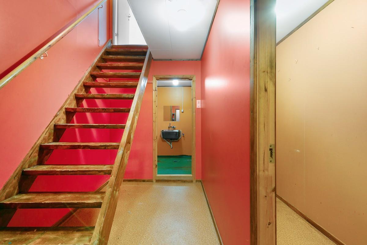 Trappegang ned til underetasjen