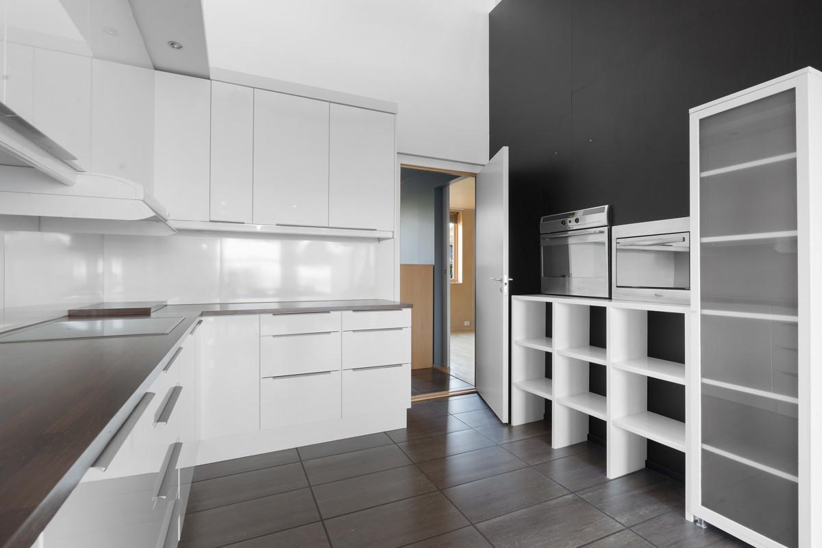 Kjøkkeninnredning med glatte fronter