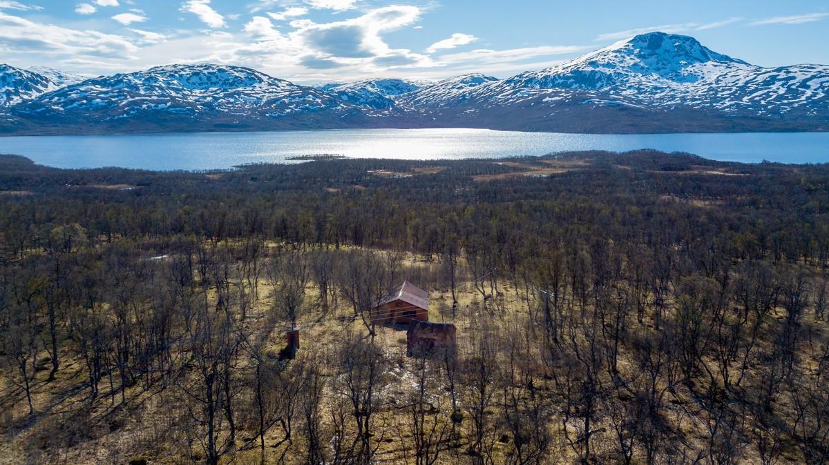 Velkommen til Skogsfjordveien 976 - fritidseiendom i idylliske omgivelser!