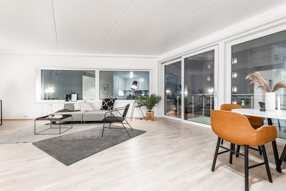 Stilfull leilighet i 2.etg. med store vindusflater