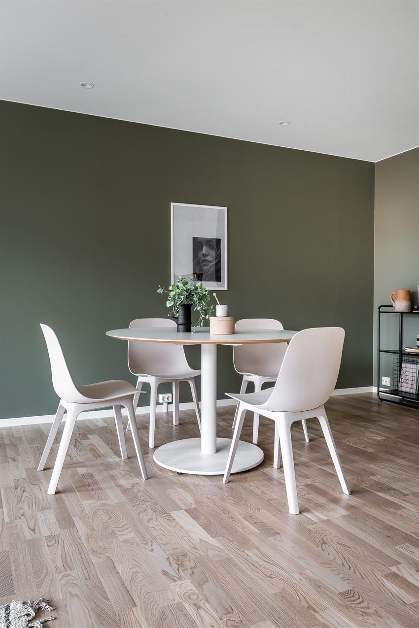 Spisebord (Bildet er hentet fra tilsvarende leilighet, avvik kan forekomme)