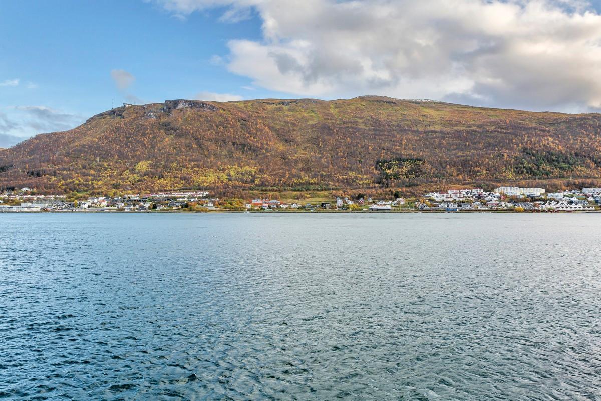 Her seiler Hurtigruten forbi