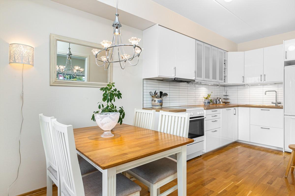 Kjøkken i tilknytning til stue