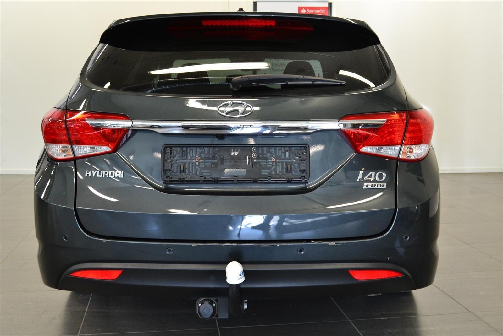 Hyundai i40 Slide 3