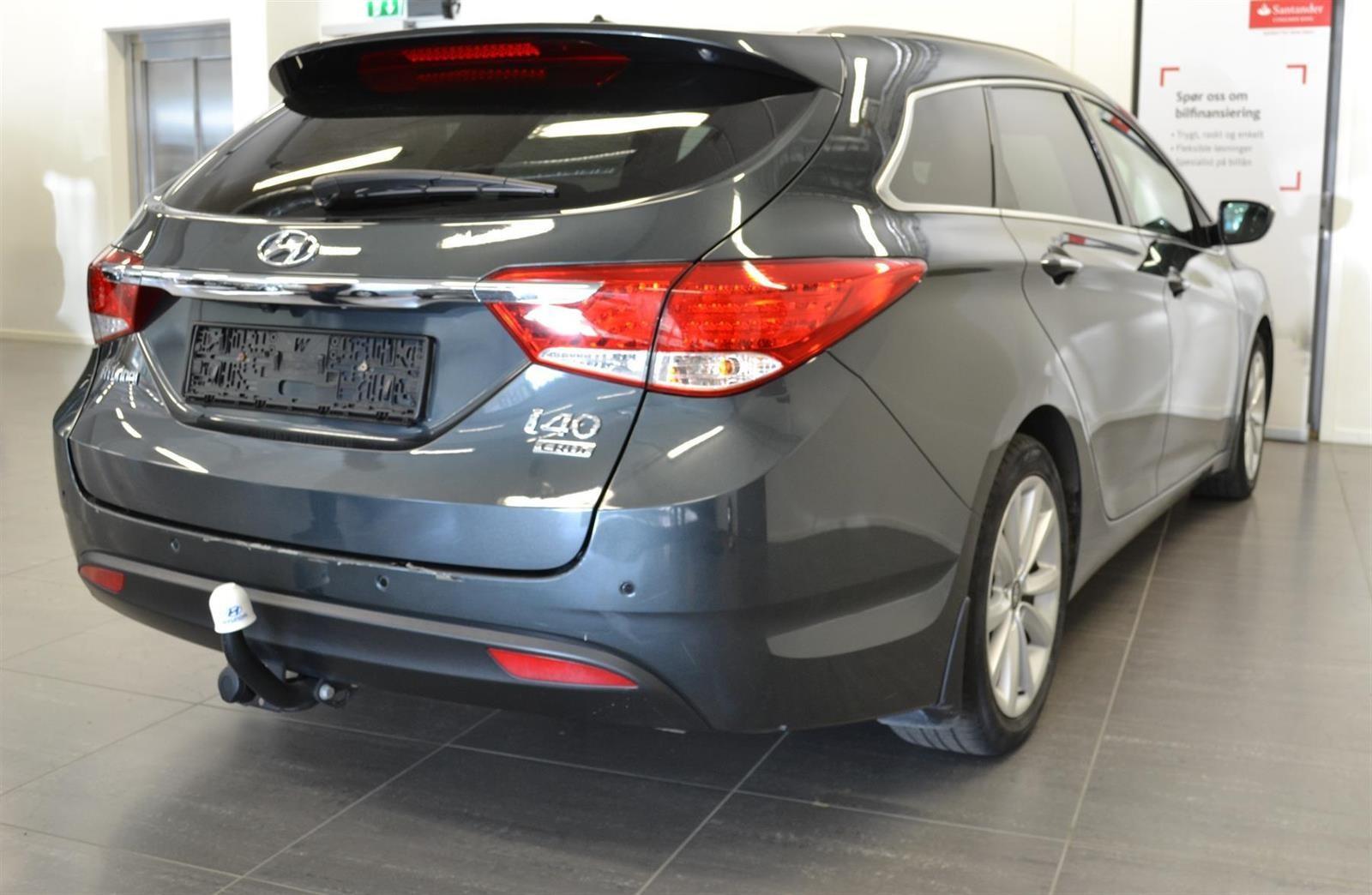 Hyundai i40 Slide 4