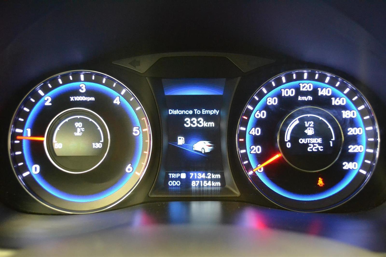 Hyundai i40 Slide 10