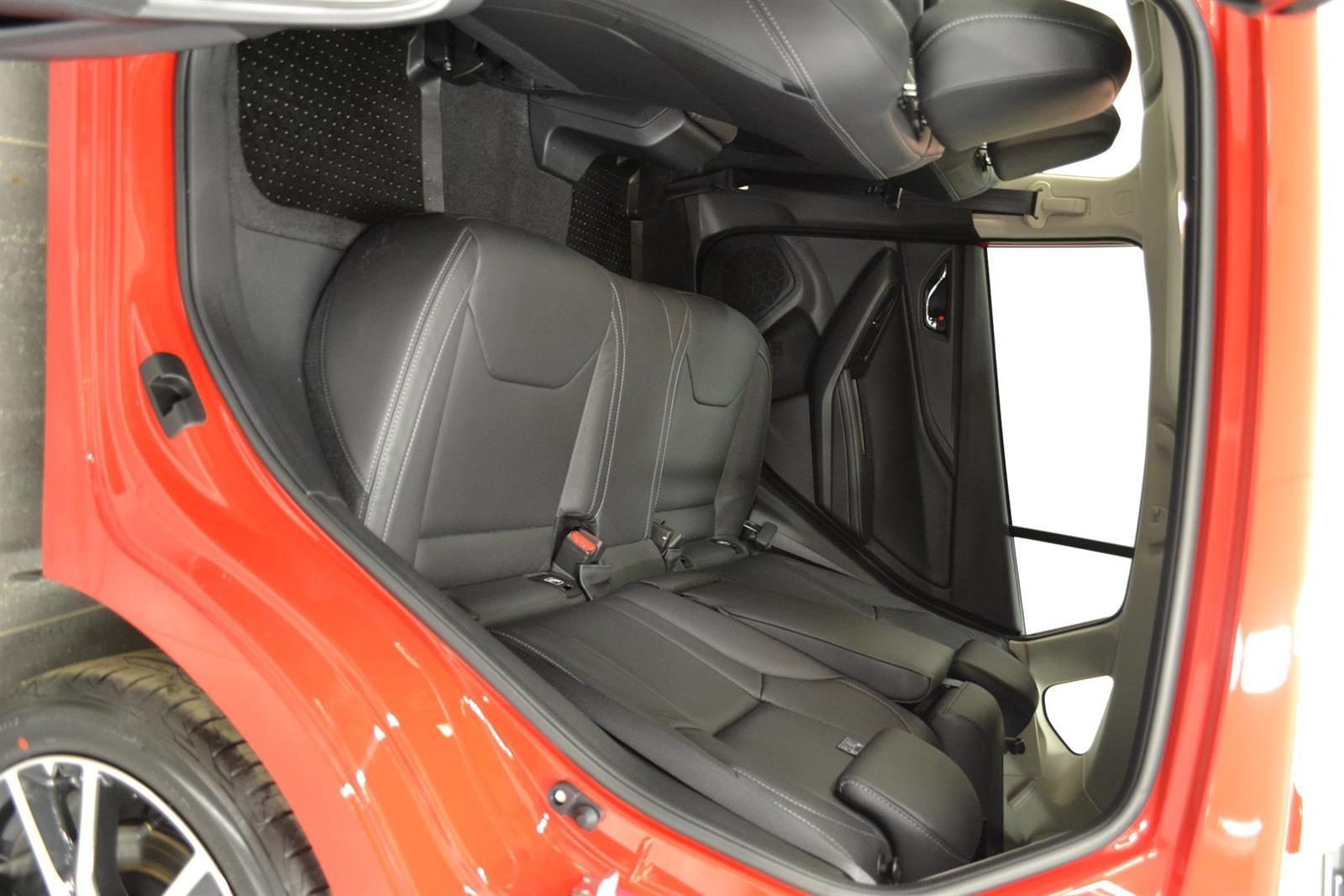 Subaru Impreza Slide 7