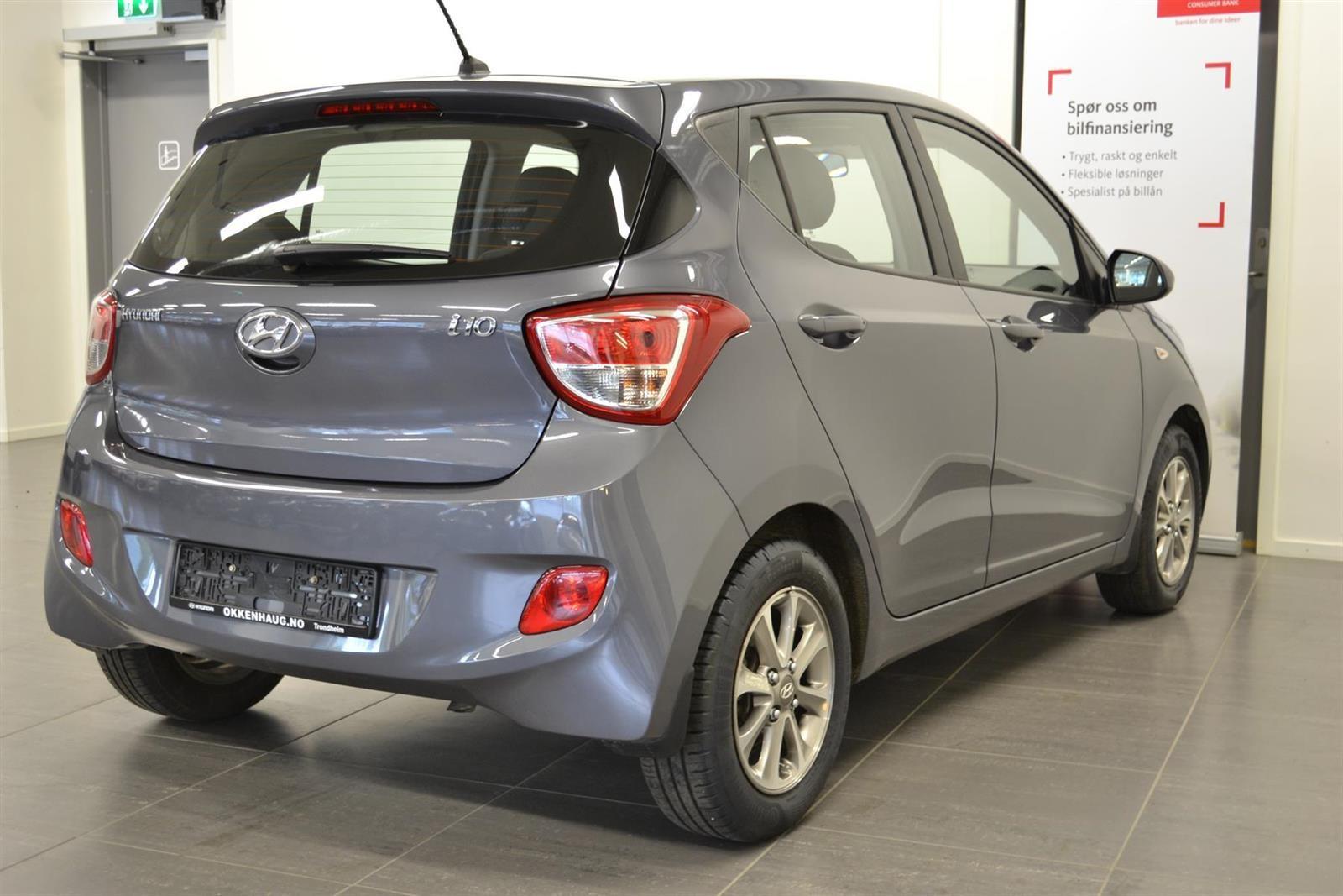 Hyundai i10 Slide 3