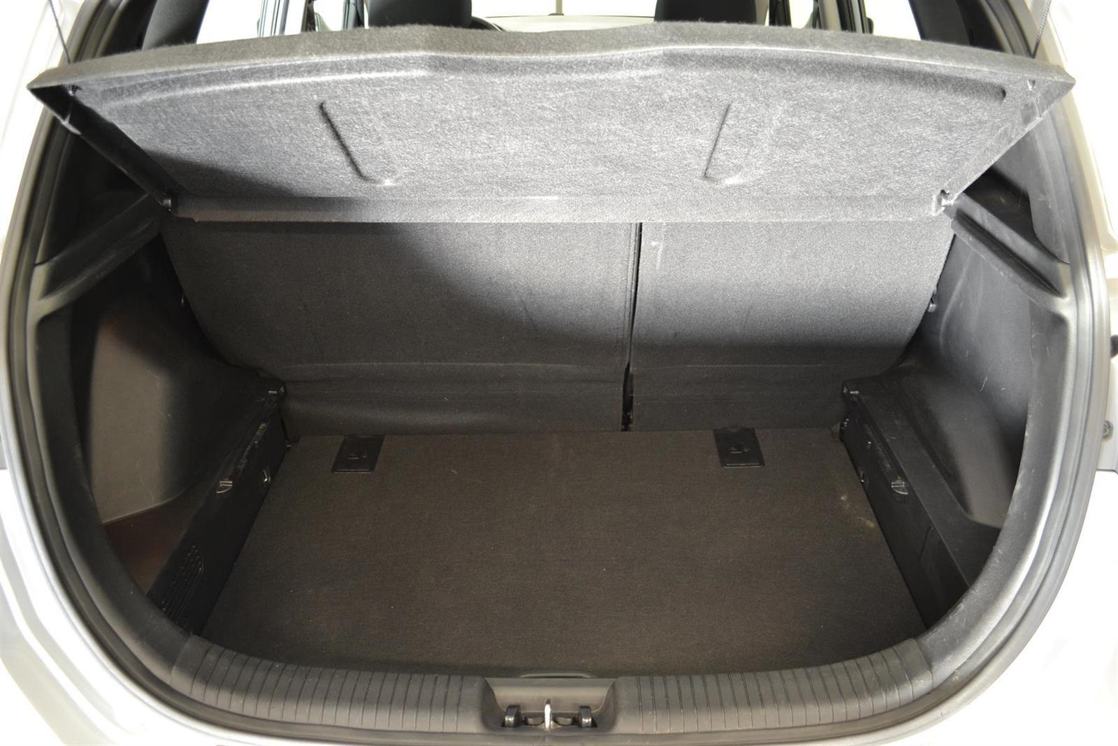 Hyundai ix20 Slide 6