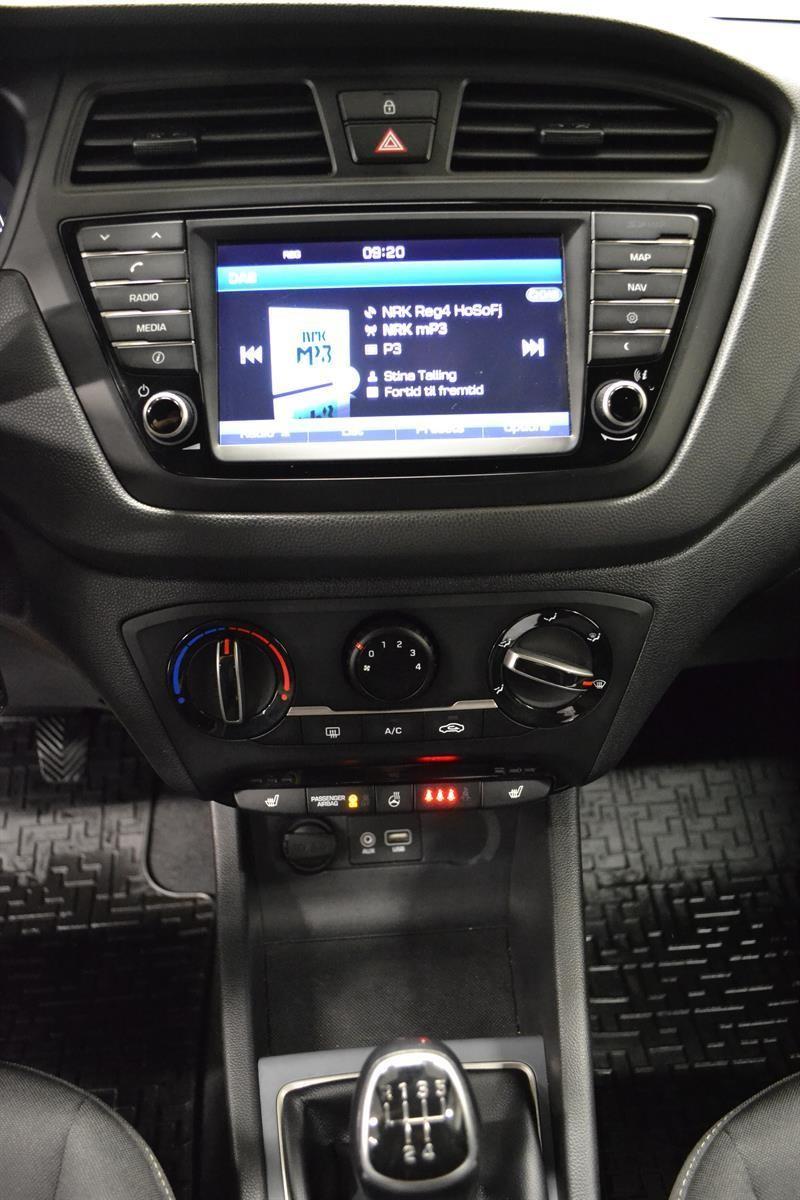 Hyundai i20 Slide 12