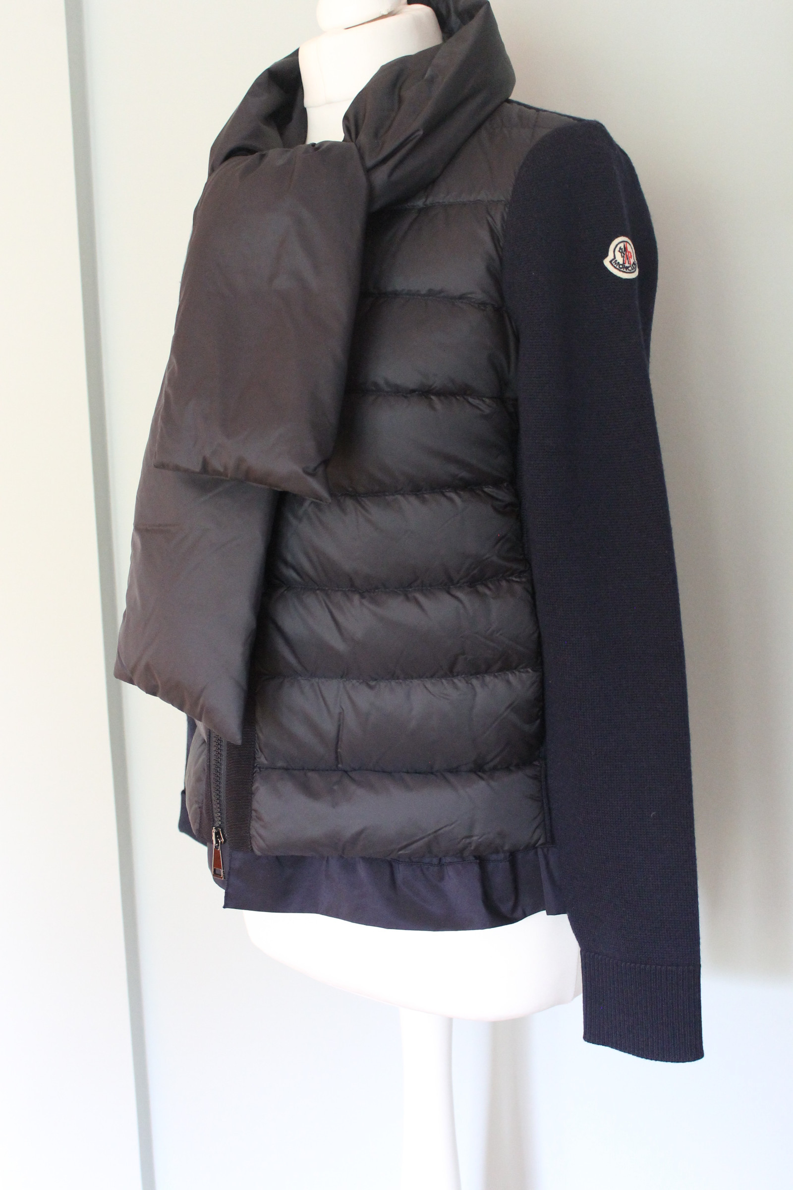 november 2018 – Moncler Jacket | Moncler Vest | Moncler Salg