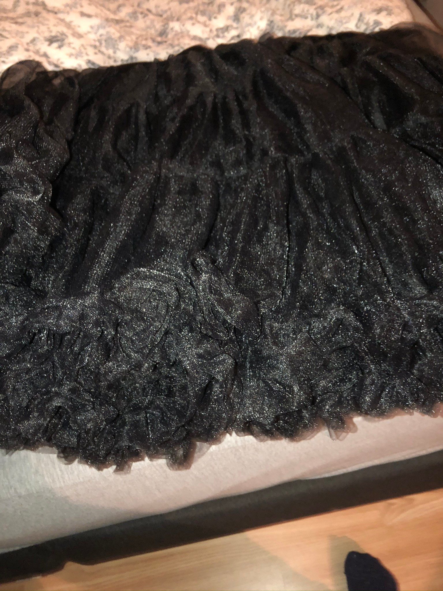 50 talls kjole med underskjørt selges for 300, kostet ny