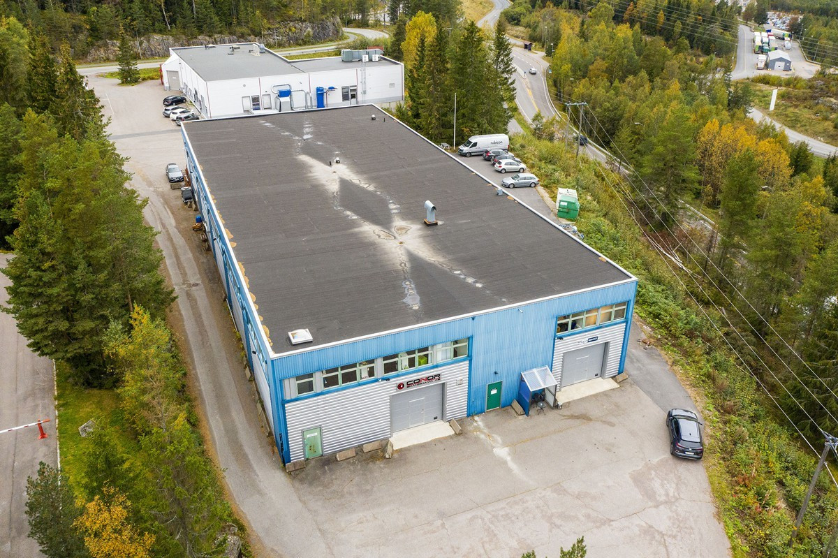 Innkjøring til lager via kjøreport (høyre port)