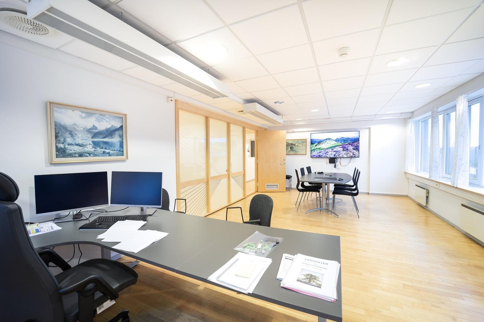 Stort kontor / møterom