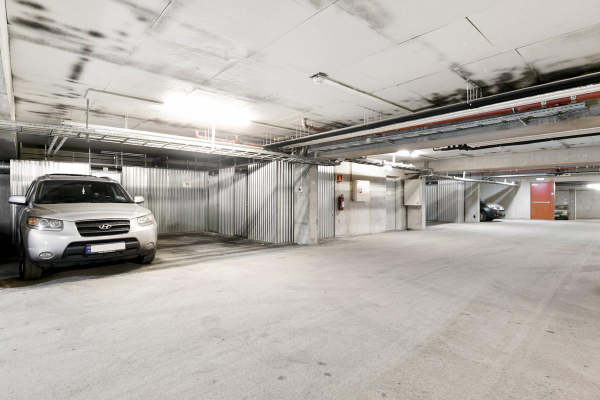 Parkering i felles parkeringskjeller