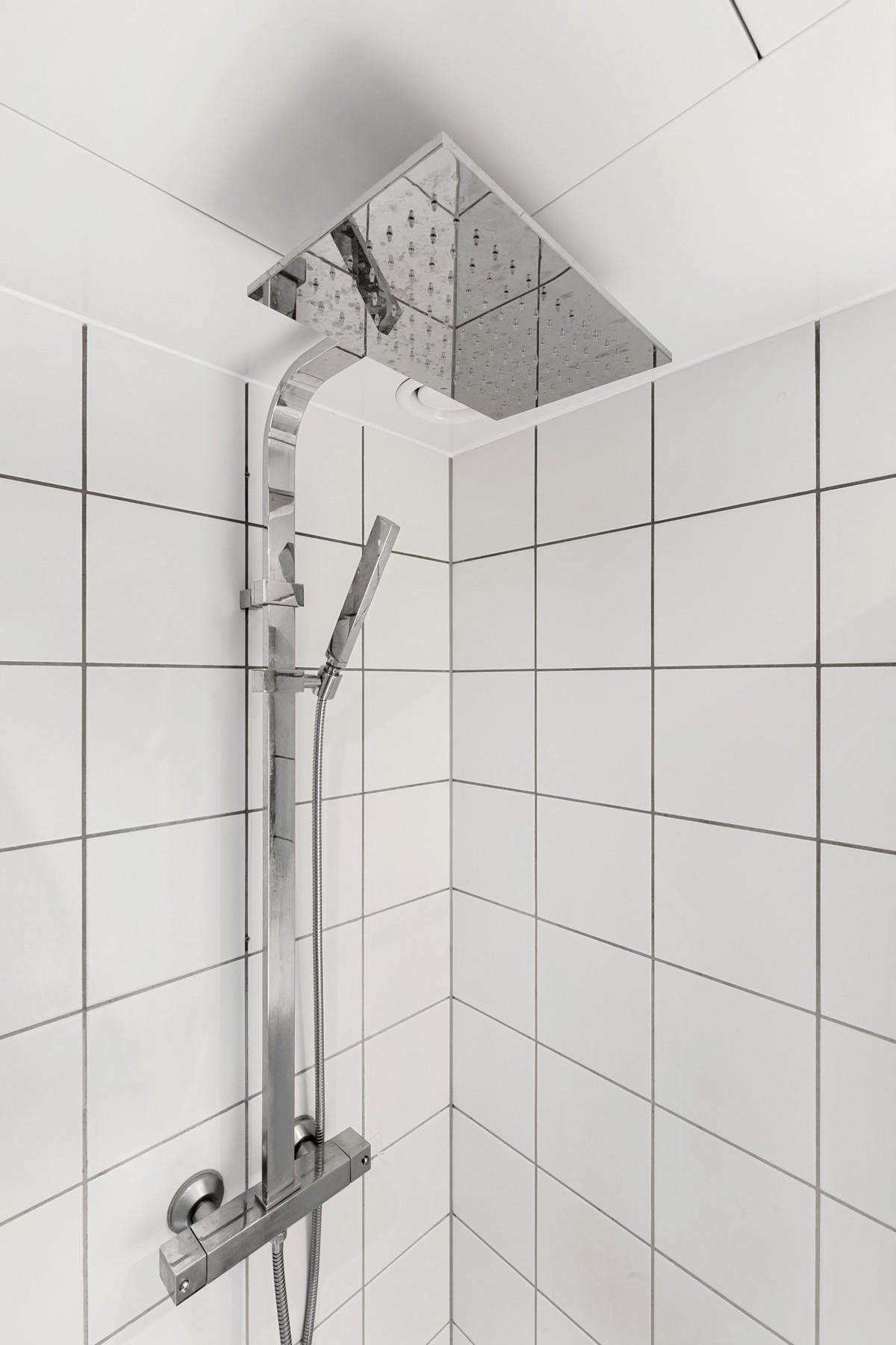 Elegant og oppgradert dusj med waterfall