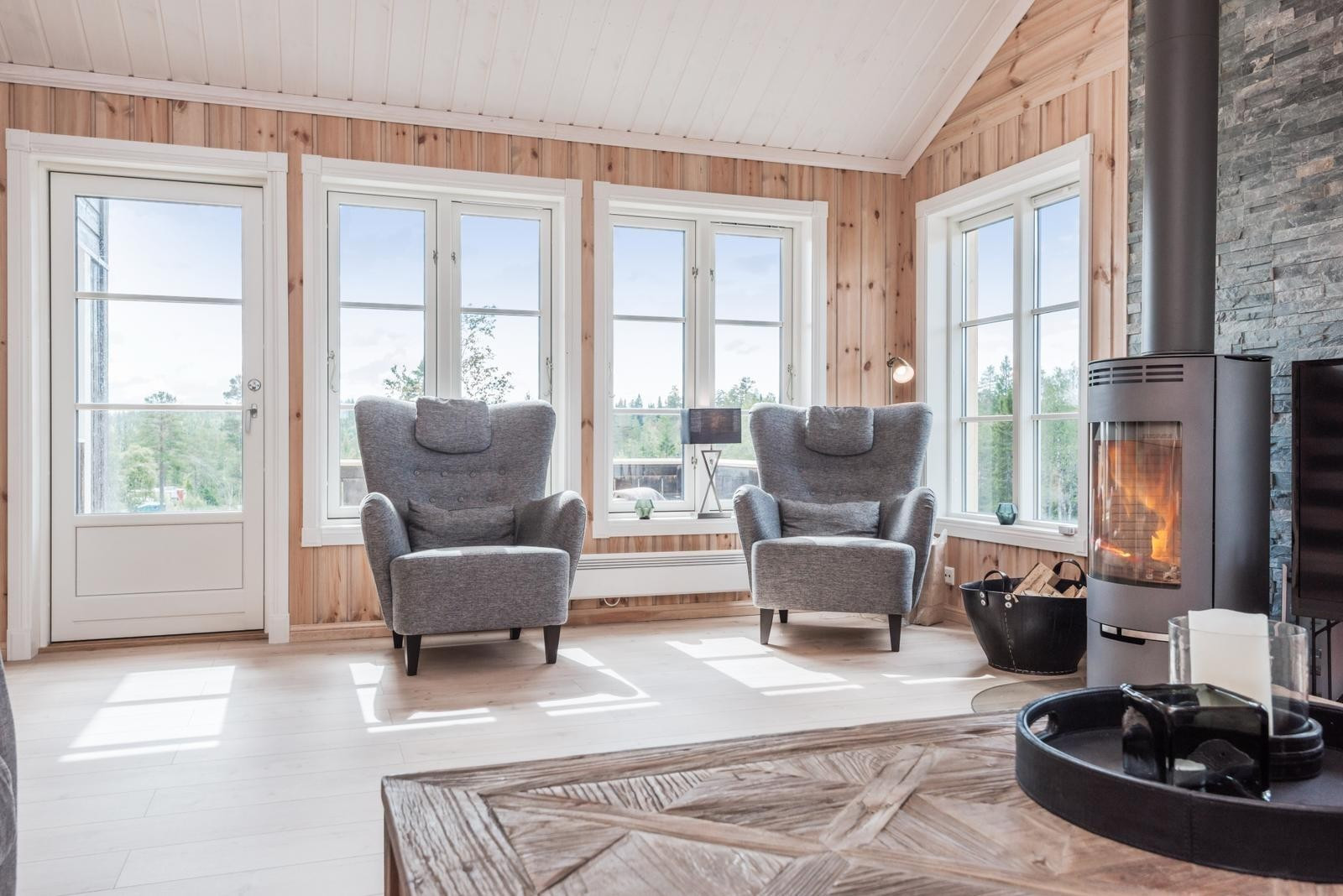 Stuen- Fra en tilsvarende hytte med kundetilpasninger og tilvalg