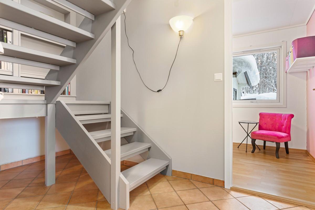 Trappegang til 2. etasje