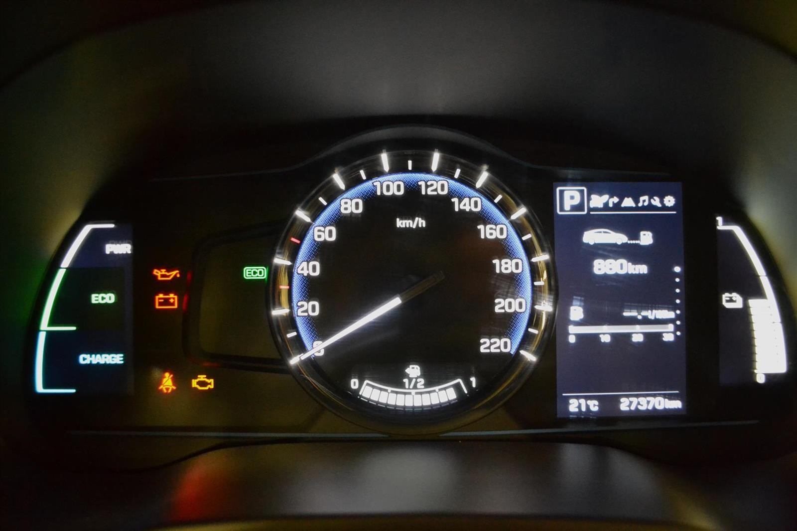 Hyundai Ioniq Slide 9