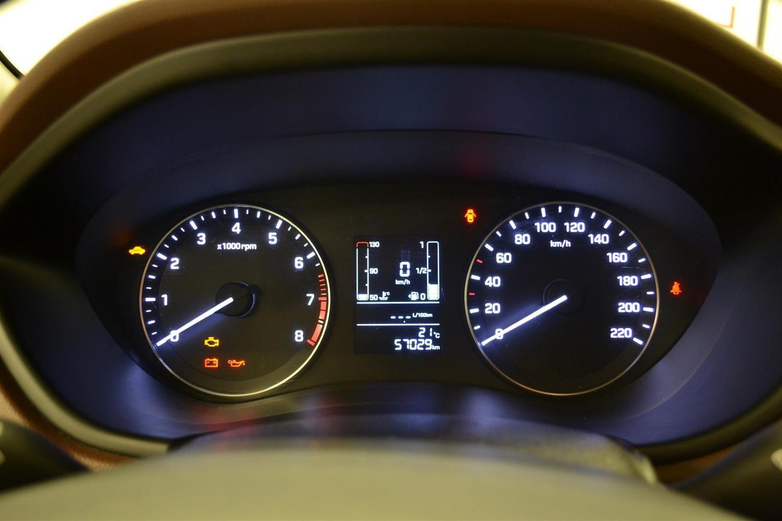 Hyundai i20 Slide 9